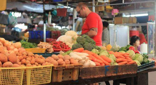 Saigon Cooking Class-Buying Foods At Market