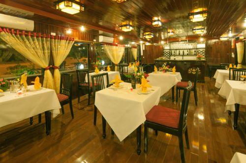Golden Lotus Junk-Restaurant