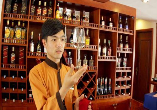 Bar-Huong Hai Sealife Cruise