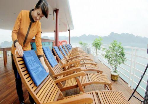 Sundeck-Huong Hai Sealife Cruise