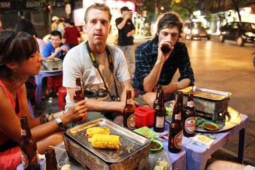 Walking Tour And Enjoy Street Food Tour In Hanoi